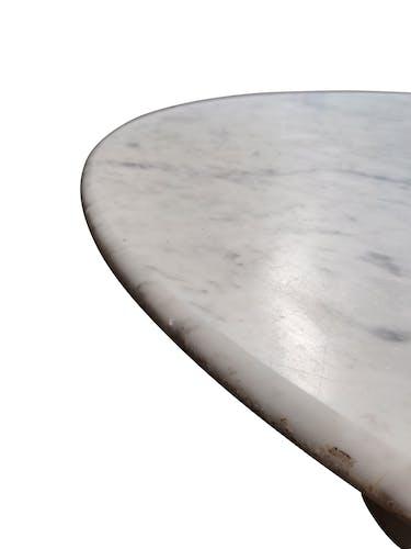 Table ronde en marbre de Carrare, années 1970