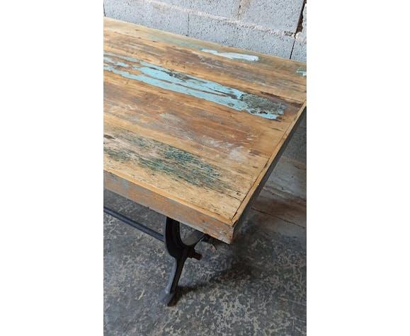 Table avec pied en fonte