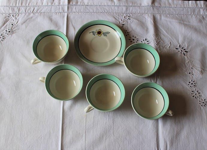 Lot 5 tasses et 1 soucoupe Eglantine Céranord vert