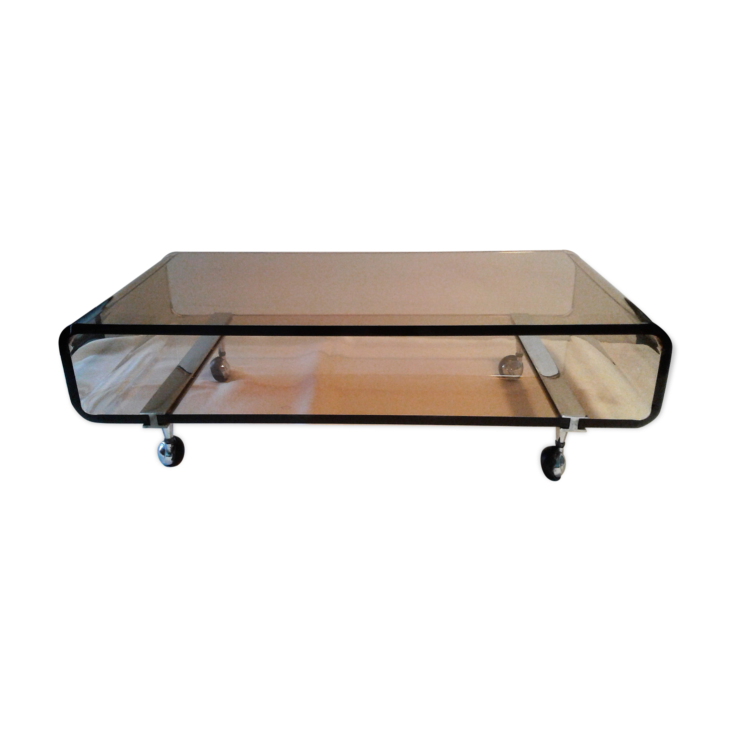 table basse en altuglas fum us with table basse plexiglas transparent. Black Bedroom Furniture Sets. Home Design Ideas