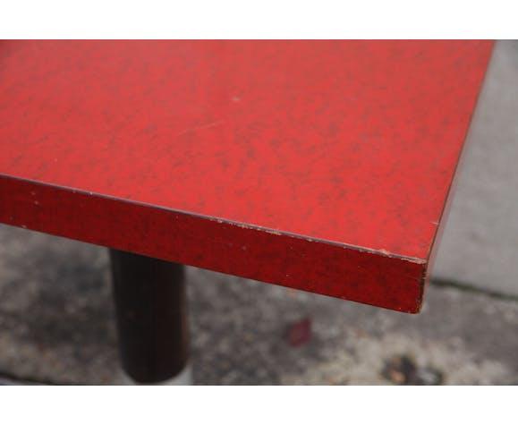 Table bistrot en formica rouge