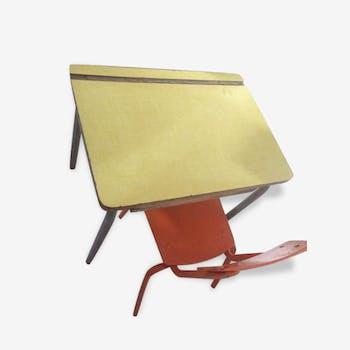 ensemble bureau et chaise formica formica jaune vintage drzujzr. Black Bedroom Furniture Sets. Home Design Ideas