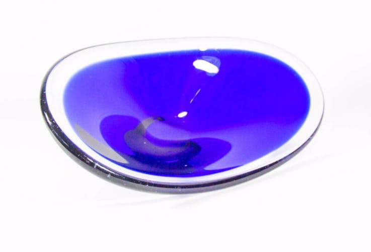 Smoked blue dish on a Clear Glass Magnor Base