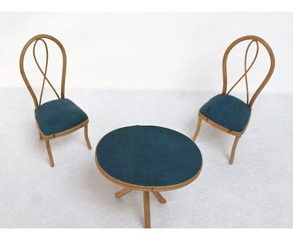 Table et chaises de poupée en rotin