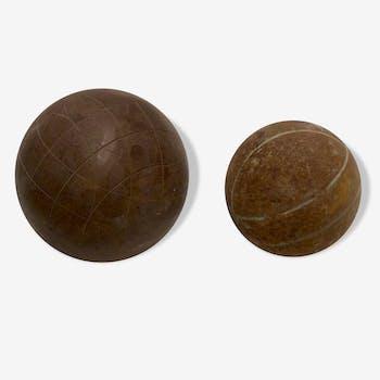 Boule en acier de jeu de Lyonnaise et boule de pétanque anciennes