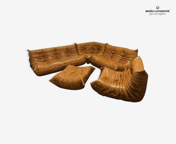 """Ensemble de salon """"Togo"""" en cuir cognac par Michel Ducaroy pour Ligne Roset 1970s"""
