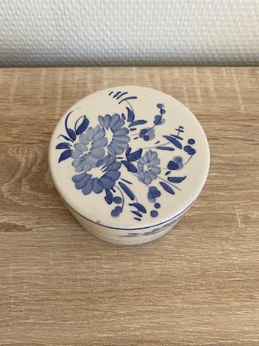Boite ancienne en céramique peint à la main
