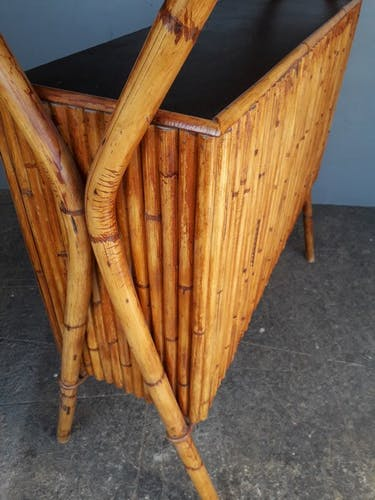 Bar comptoir et 2 tabourets bambou et cuir, 1950/60