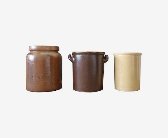 Trois pots en céramique