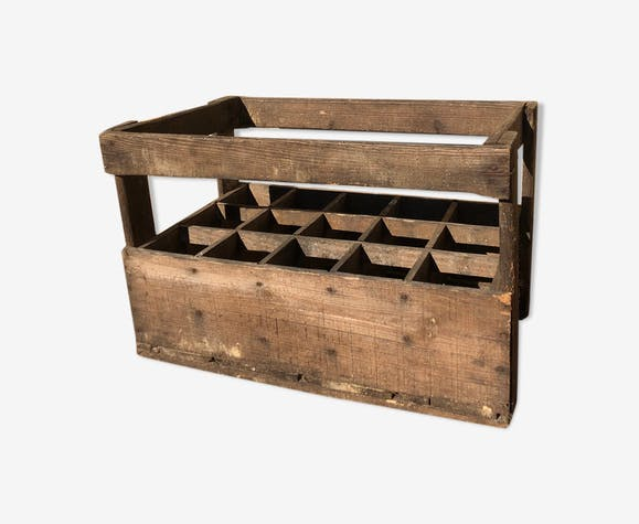 Wooden crate-bottle storage