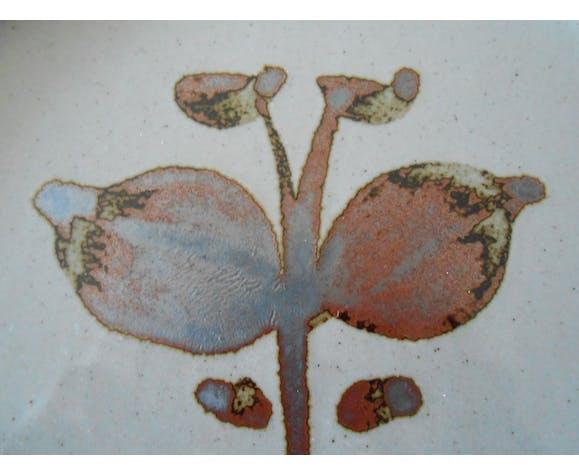 Plate dessert in sandstone of the Arnon, France