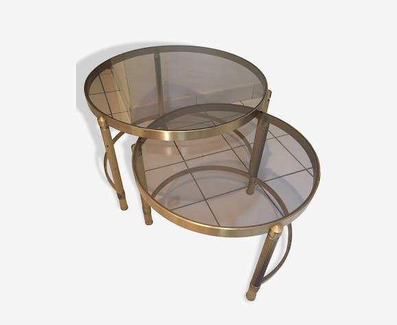 Tables basses gigognes rondes en métal doré et verre fumé