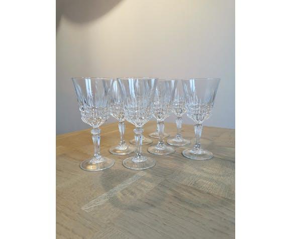 Service de 8 verres à vin en verre ciselé Luminarc