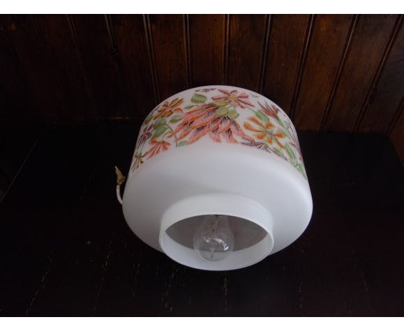 Suspension vintage opaline motifs fleurs