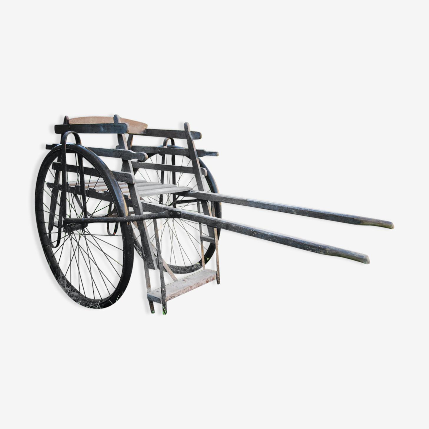 Ancienne charette chaise à bras