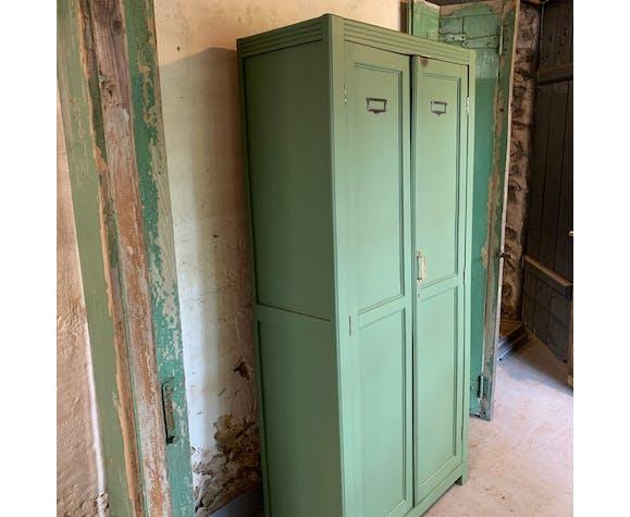 Armoire parisienne vert eucalyptus