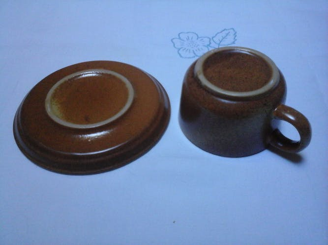 5 cups and saucers made of sandstone