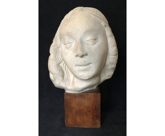 Bronze-middle-aged woman's head in plaster
