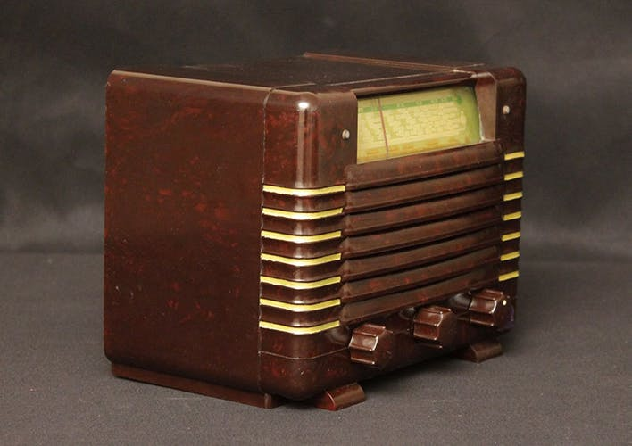 """Poste radio vintage bluetooth """"Radiola RA 133 U"""""""