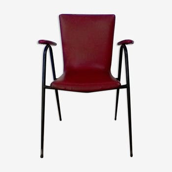 Chair in red leatherette
