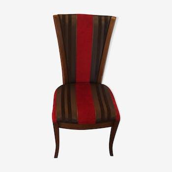 Chaise rouge et noir