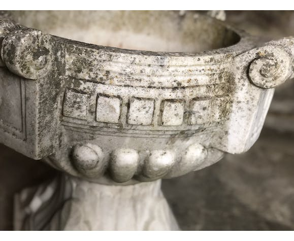 Holy water basin in marble Art Deco décor of marquee 1920