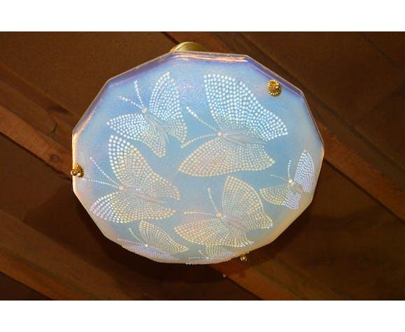 Suspension style art déco en verre pressé opalescent à décor de papillons