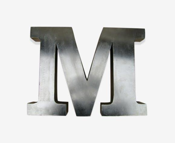 Lettre métal