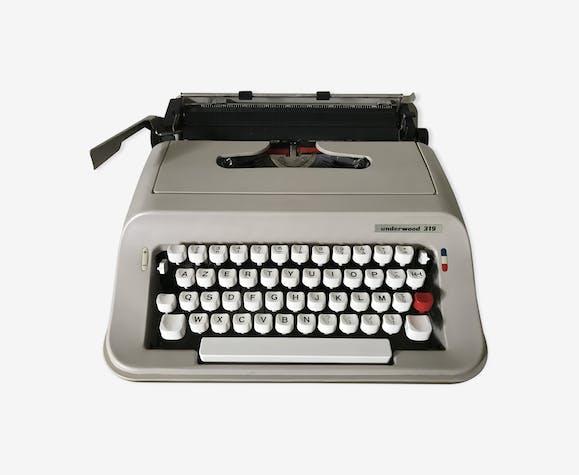 Machine à écrire à écrire Underwood 319