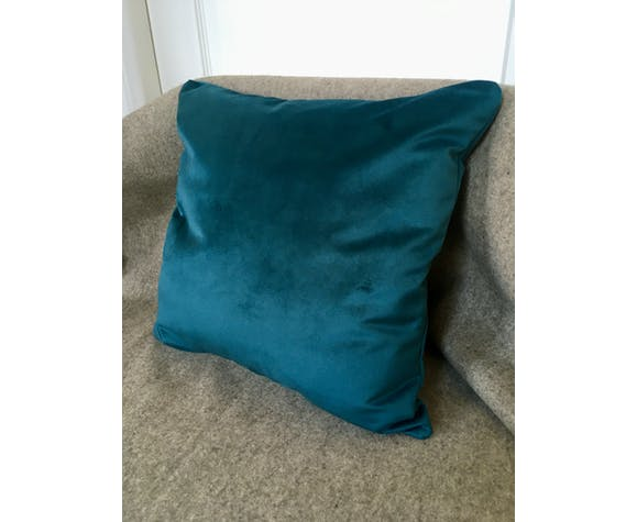 Decorative cushion blue velvet duck 40x40