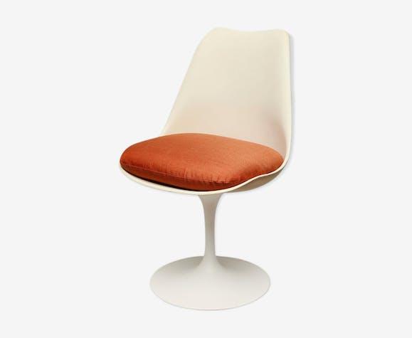 Tulip chair by Eero Saarinen for Knoll International 1964