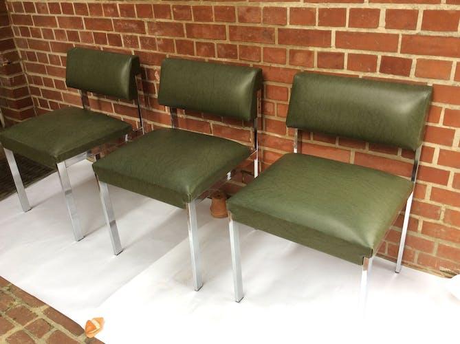 3 vintage chairs in Skai