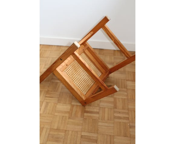 Chaise cannée chalet pin 1980