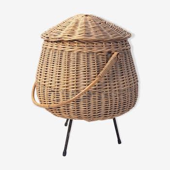 Tripod rattan basket