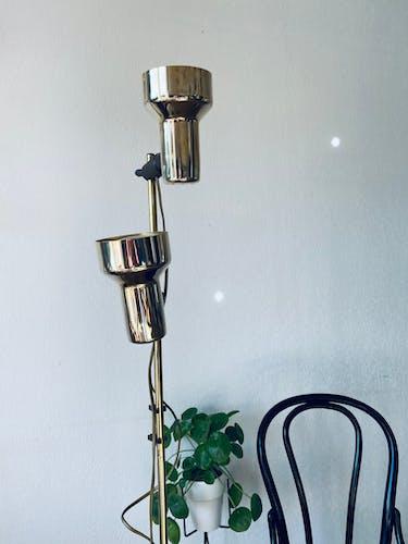 Lampadaire vintage en laiton doré
