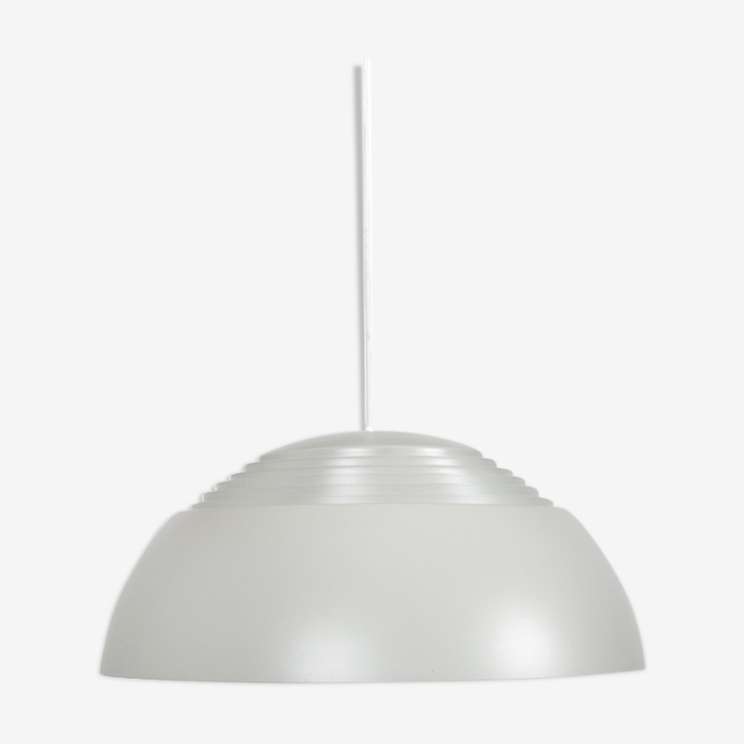 Suspension AJ-Pendel gris par Arne Jacobsen