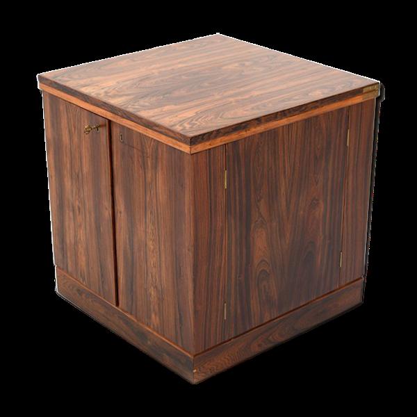 Meuble bar en forme de cube, conçue par Torbjørn Afdal pour Bruksbo