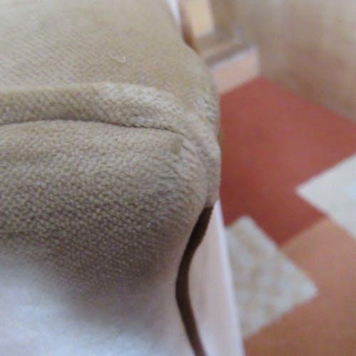 Paire fauteuils style Art-Déco tissus velours beige clair