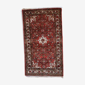 Carpet vintage Persian Hamadan done hand 75 x 132 cm of the 1970s
