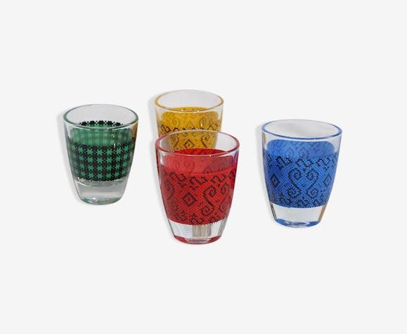 4 liqueur glasses