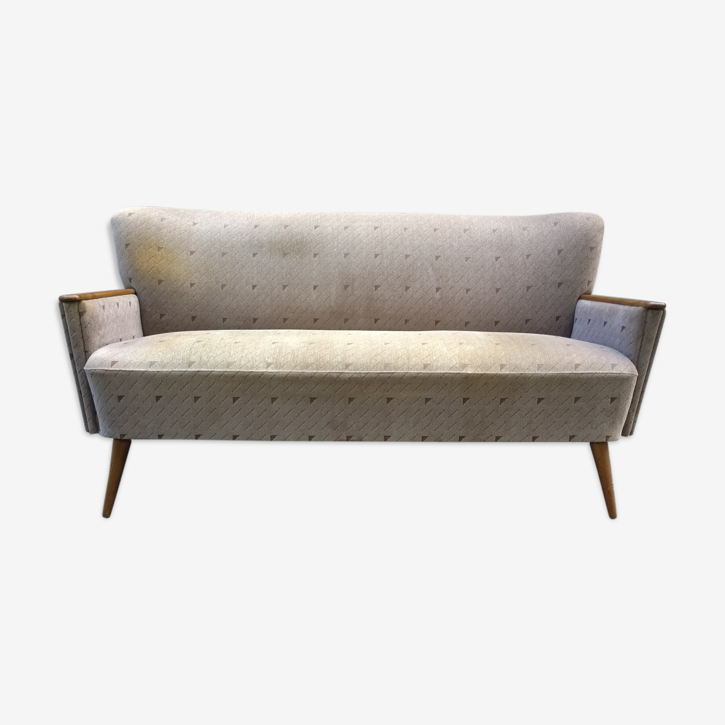 Sofa cocktail with armrests
