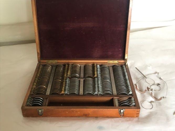 Test optical lens box