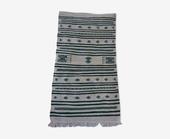 Kilim blanc et vert fait à la main en laine