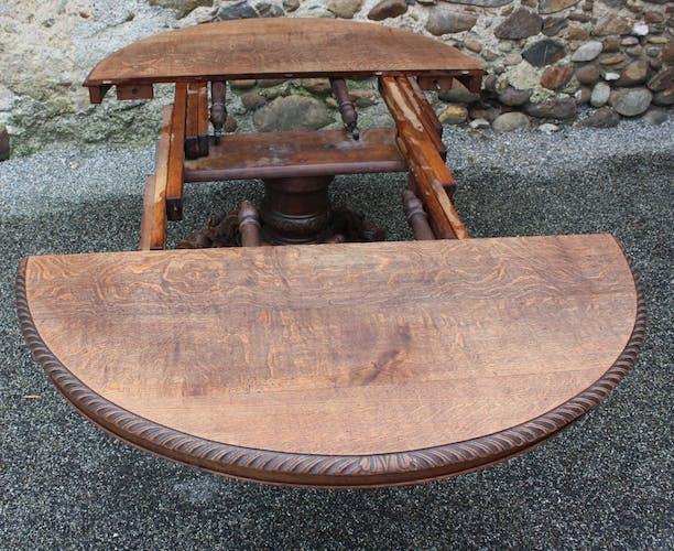 Henry II-style oval table in oak