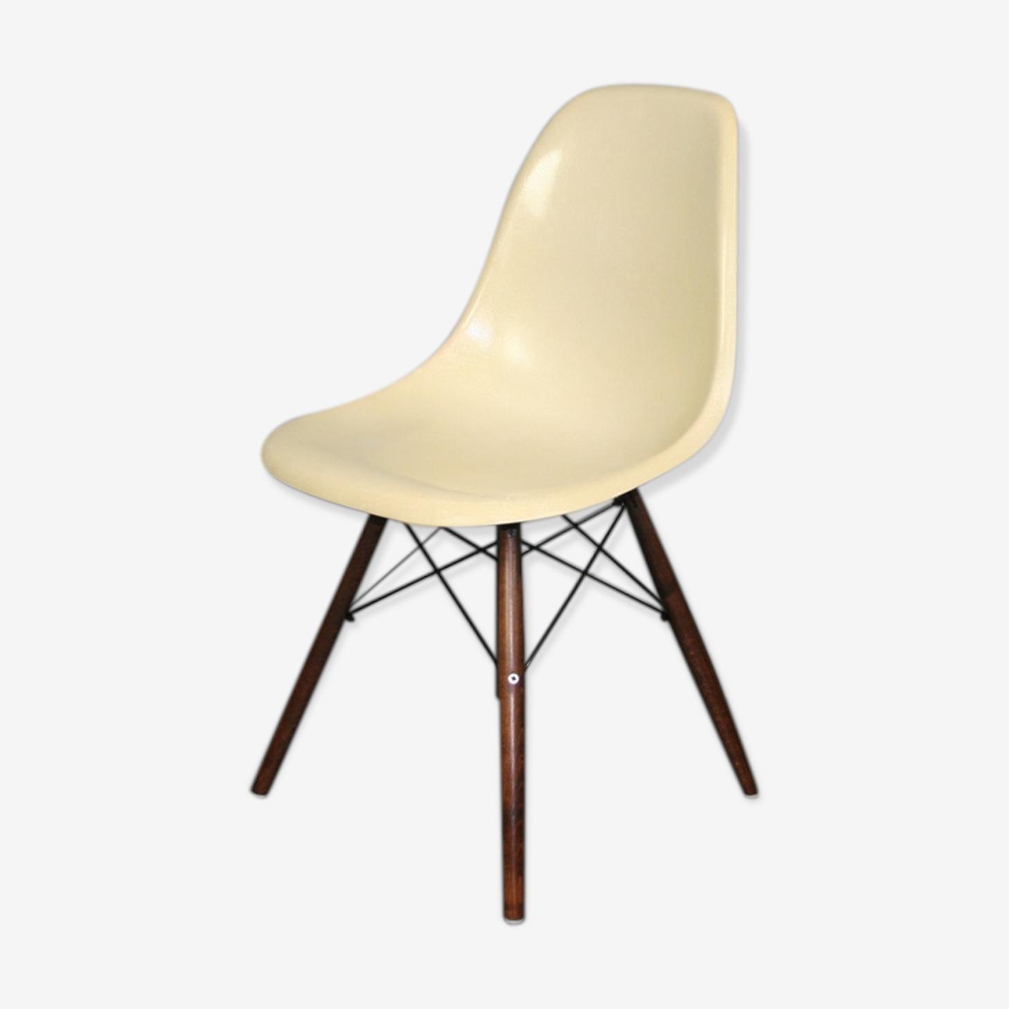 Chaise dsw blanc Eames Herman Miller vintage noyer