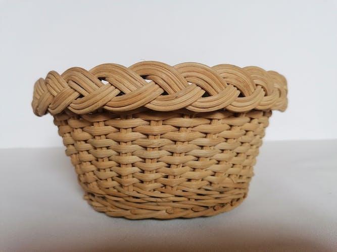 Corbeille à pain en osier tressé