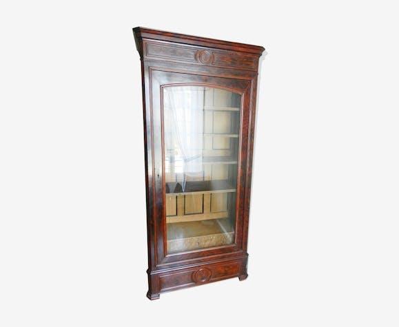 Bibliothèque d'époque Napoléon III en acajou ouvrant par 1 porte vitrée glace biseautée.