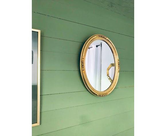 Golden oval mirror - 36 x 47