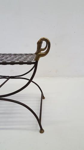 Ottoman curule néo classique en métal et laiton - 1970