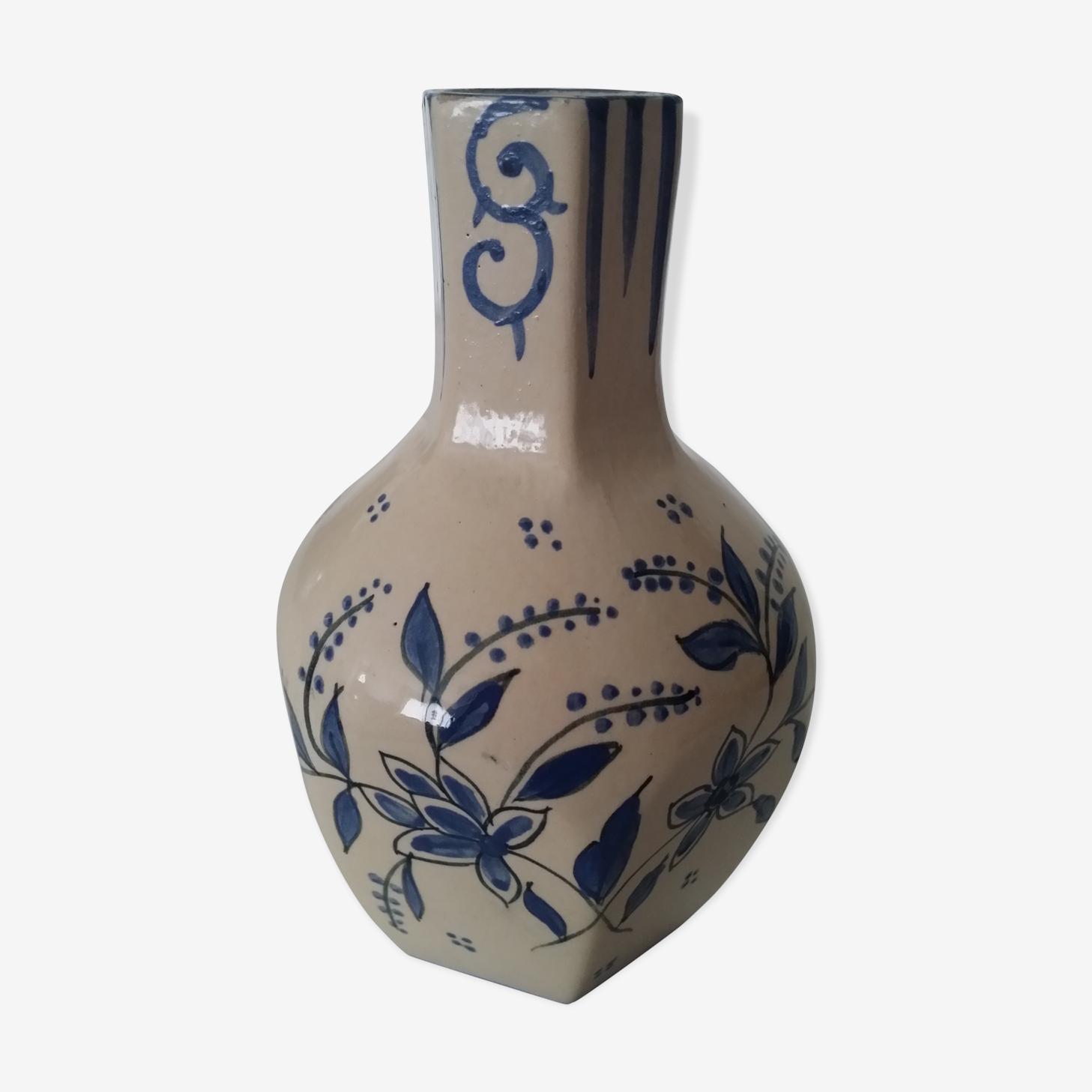 Ancien soliflore vase à bec en faience Quimper